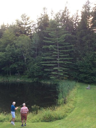 Golden Eagle Resort : tried fishing for fun !!