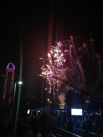 Cedar Point : Fireworks show from the millennium force line up