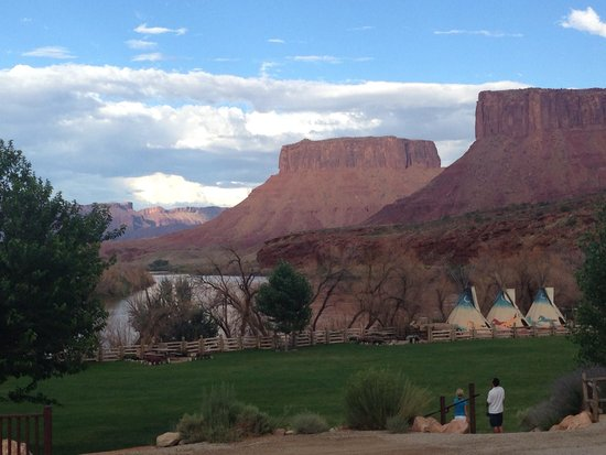 Red Cliffs Lodge : View from the lodge