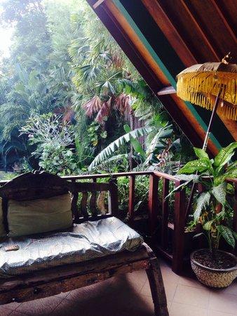 Green Chaka Villas : Terrasse des Obergeschosszimmers