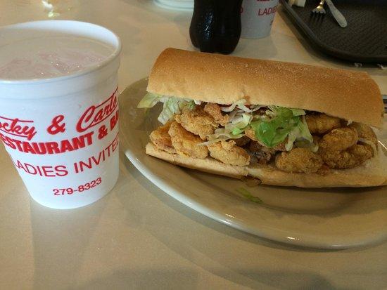 Rocky & Carlo's Restaurant : Shrimp po boy