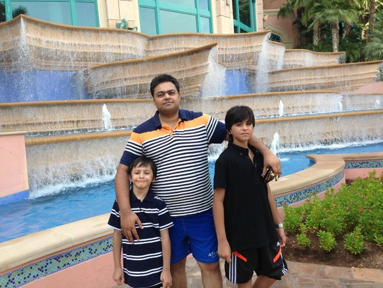 Atlantis, The Palm: Ali Abbas , Shahraiz, Zain Ali Nasir @ Atlantis