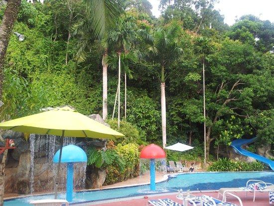 Aseania Resort & Spa Langkawi Island: Champignons et toboggans
