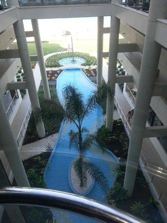 Elysium Resort & Spa: Aussicht aus einem der drei Fahrstühle