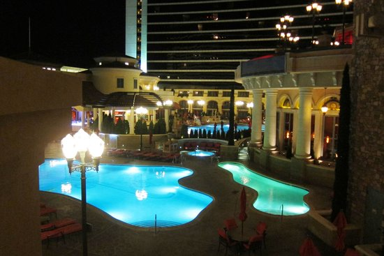 Peppermill Resort Spa Casino: Pools