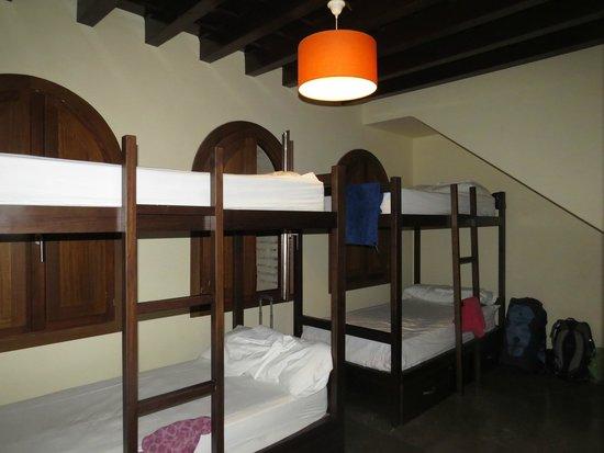 Al-Andalus Hostel: Room