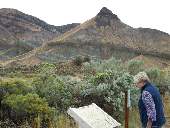 John Day Fossil Beds National Monument: By the Visitors Center