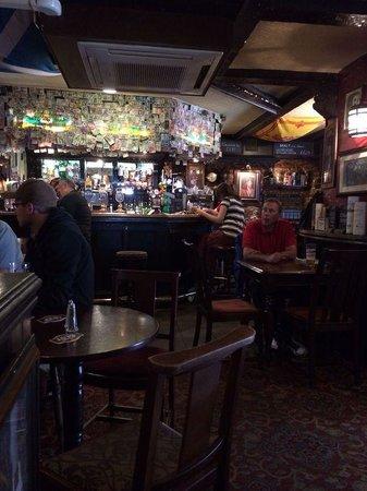 The World's End : Bar area