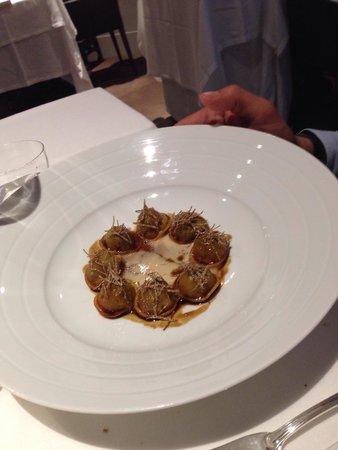 Ravioli porri, fois gras e tartufo nero