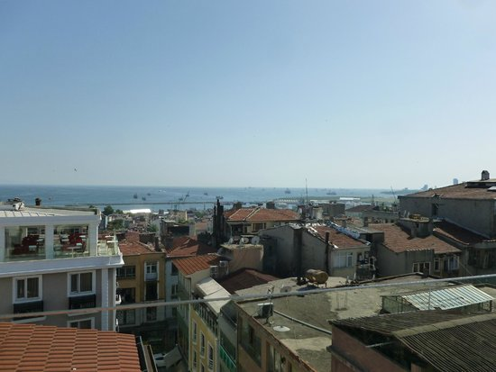 Hotel Niles Istanbul : View from the rooftop