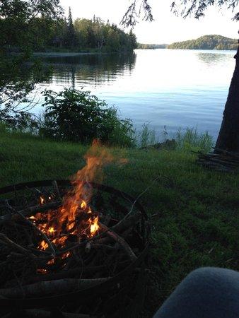 Daniels Lake Lodge Bed & Breakfast: Fire Pit