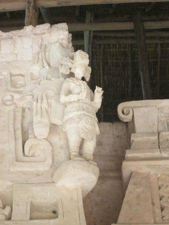 Ek Balam Mayan Ruins : Stucco Sculptures