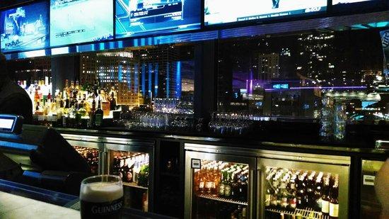 Hyatt Regency Chicago: Big Bar