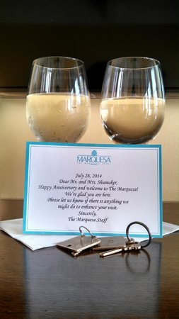 Marquesa Hotel: Wine on arrival.