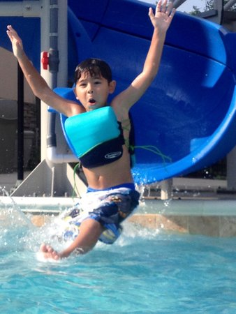 Hampton Inn Chattanooga West/Lookout Mountain: Endless fun on the water slide