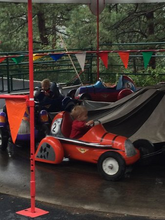 North Pole - Santa's Workshop: One of many toddler rides: midge-o-racers