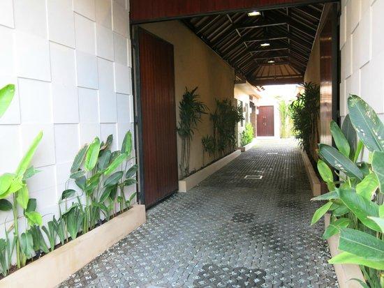 My Villas in Bali: Entrance to Villas