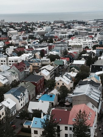 Hallgrimskirkja: Beautiful rooftop view from the top.