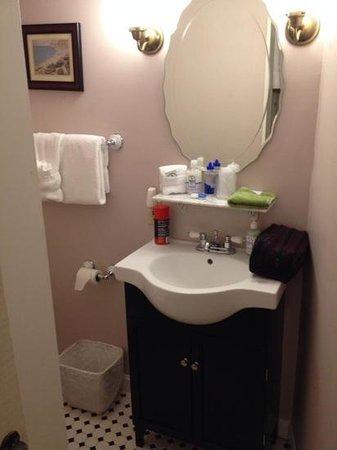 Puffin Inn Bed & Breakfast : Bathroom