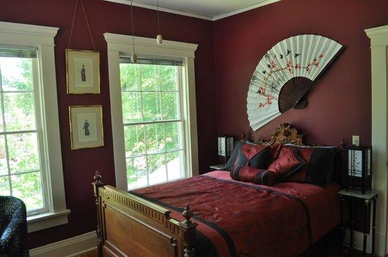 Limestone House Bed & Breakfast: Henry Ford Guestroom 1