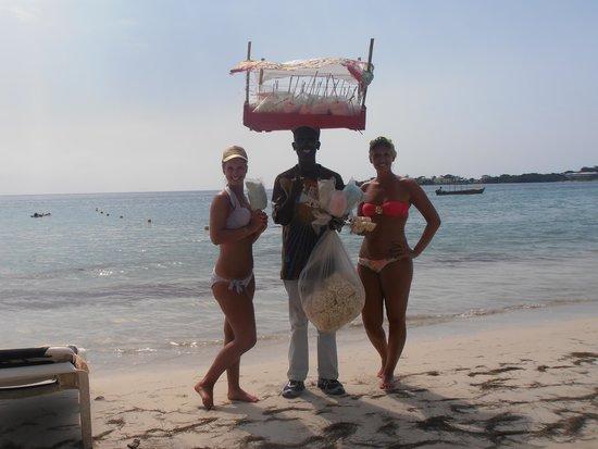 Hotel Riu Palace Tropical Bay : Popcorn anyone...