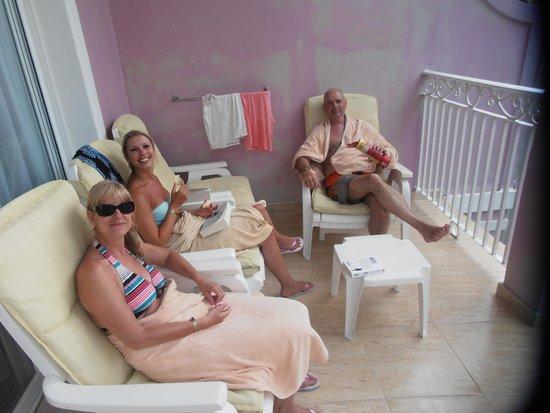 Hotel Riu Palace Tropical Bay: Corner room balconies