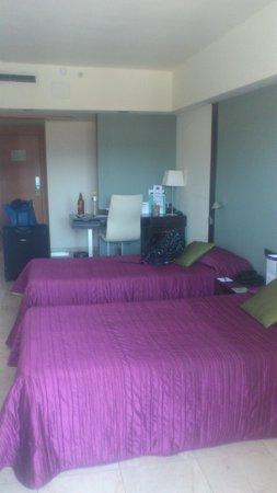 Expo Hotel Barcelona: улучшенный номер