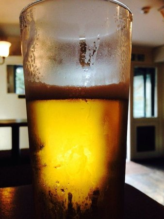 The Millers Arms: Cold beer on a hot day at Millers Arms