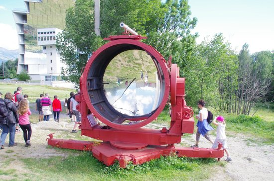 HÉLIODYSSÉE - Grand Four Solaire d'Odeillo : Premier four solaire