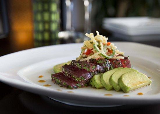 Molokini Bar & Grille: New Style of Sashimi