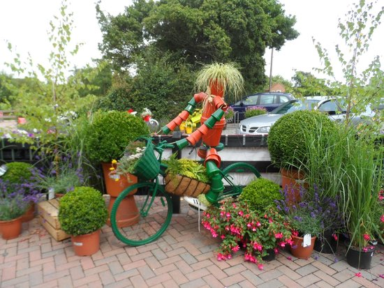 Perrywood Coffee Shop: Perrywood Garden Centre's 'Potty Cyclist'