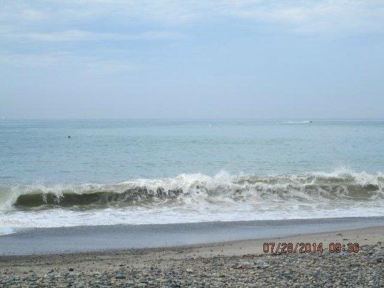 Riviera Beach Spa Resort : Ocean from beach