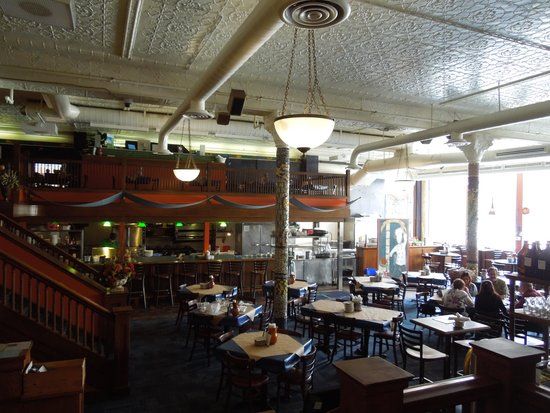 San Chez a Tapas Bistro : The dining room