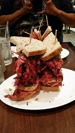 Carnegie Deli at the Mirage: sandwich portion