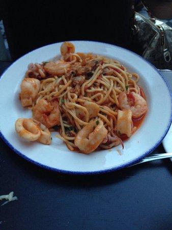 Trattoria Nervosa: Seafood spaghetti