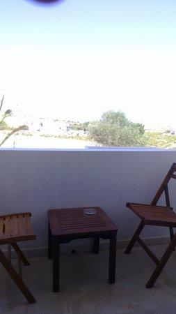 Hotel Makarios : Tiny balcony