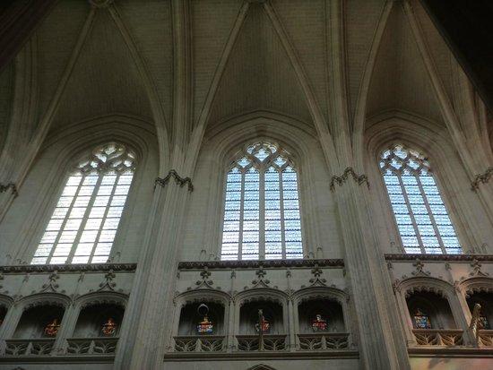 Cathédrale de Saint-Pierre et Saint-Paul : 1