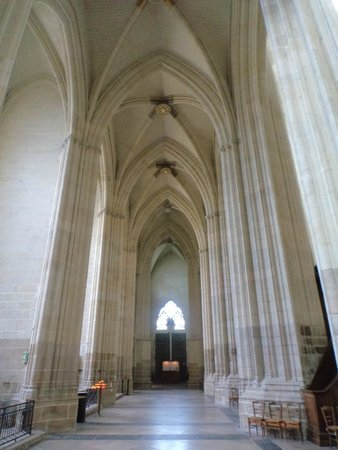 Cathédrale de Saint-Pierre et Saint-Paul : 6