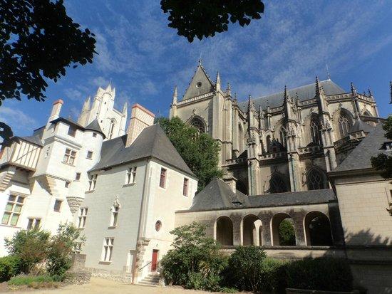 Cathédrale de Saint-Pierre et Saint-Paul : 5