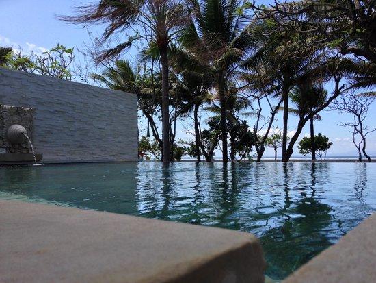 The Royal Santrian, Luxury Beach Villas: WIDOKI Z WILLI ROYAL