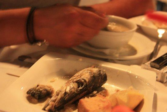 Nikos the Fisherman: Суп и его составляющие - подают отдельно.