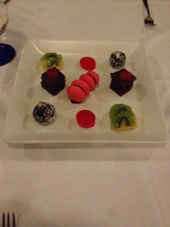 Hotel Riu Palace Tropical Bay: Lovely dessert plate