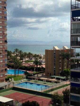 Hotel Castilla Alicante: View from the 7th floor balcony