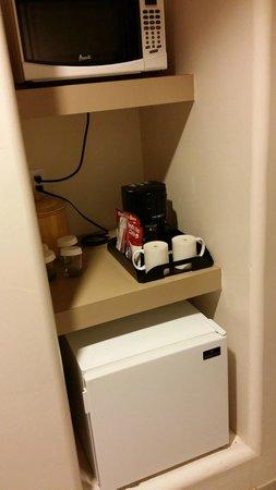 Inn at Eagle Mountain: Micro, Fridge, Coffee in Room