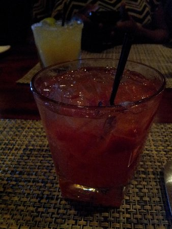 McCormick & Schmick's Seafood & Steaks: Strawberry Blossom and Margarita in the back