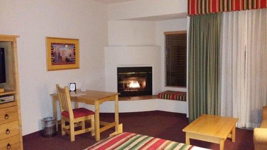 Inn at Eagle Mountain: Timeless Southwest Decor