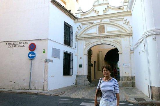 Hospes Palacio del Bailio: entrance