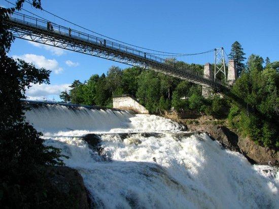 Au Gite de la Chute : Montmorency Falls