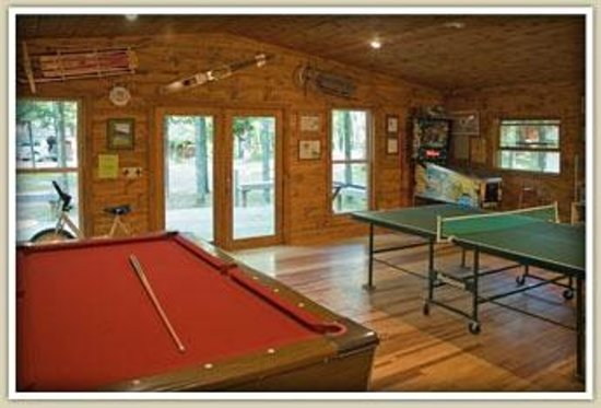Sandy Point Resort & Disc Golf Ranch: Recreation House