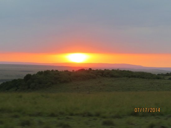 Mara Serena Safari Lodge: Sunrise in the Mara